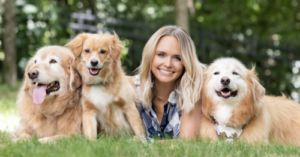 Miranda Lambert Is Auctioning Her Clothes And Other Items To Help Rescue Dogs