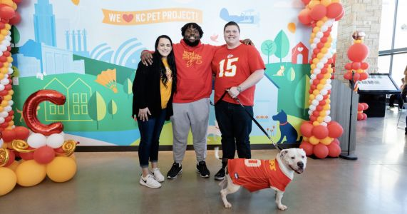 Derrick Nnadi Inspires ZIWI Pet Food To Cover Kansas City Adoption Fees